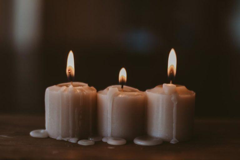Czym różnią się świece zapachowe?